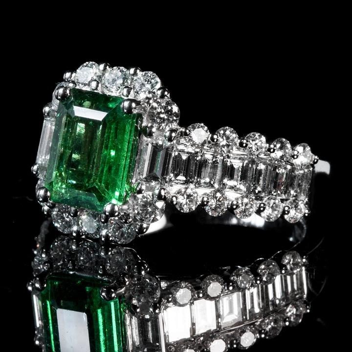 emerald-1137410_960_720